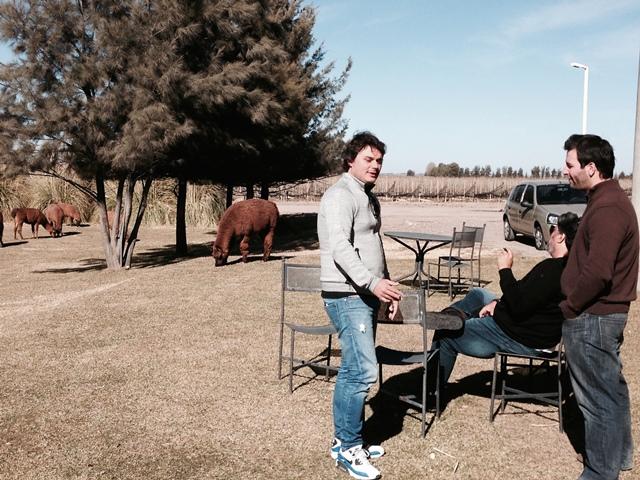 Riccardo e Vicente desfrutando da bela paisagem.