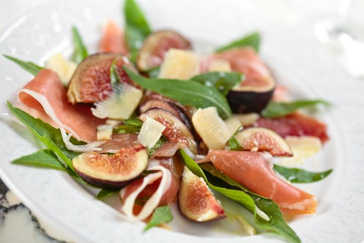 Salada de figo com presunto
